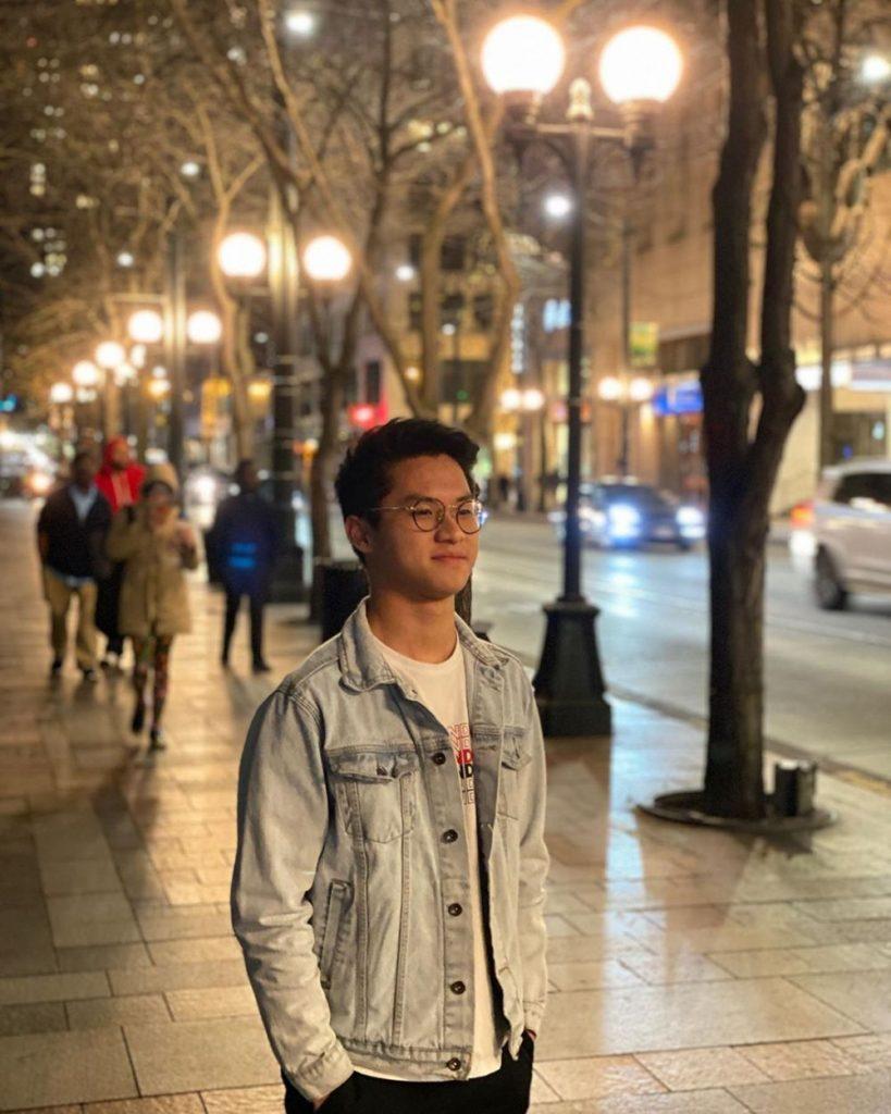 Biodata Profile Dan Keseharian Youtuber Leonardo Edwin